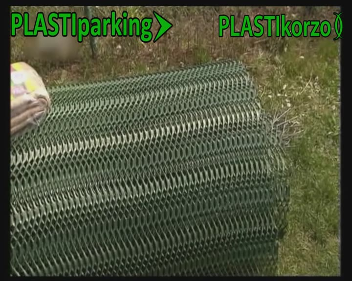 Zatravňovací plastové rohože